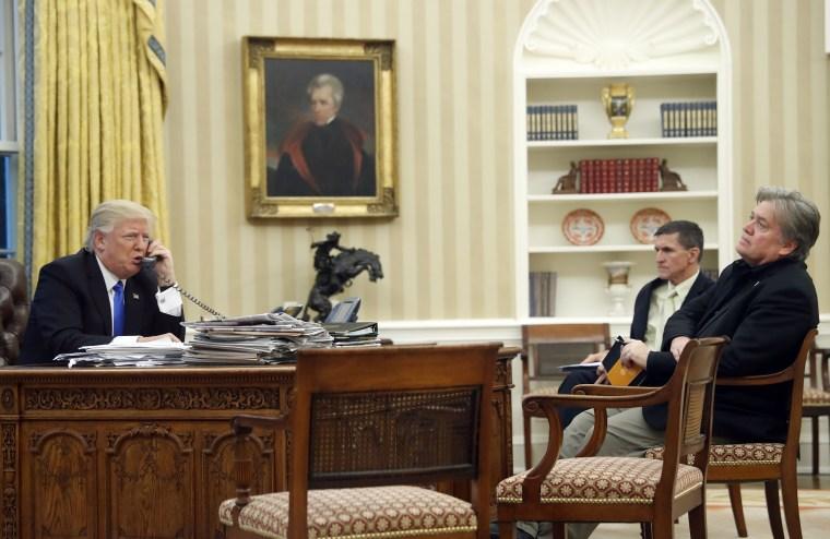 Donald Trump,Michael Flynn,Steve Bannon