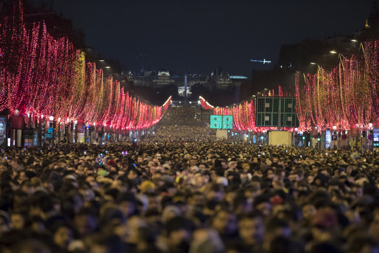 Image: New Year's Eve celebration in Paris
