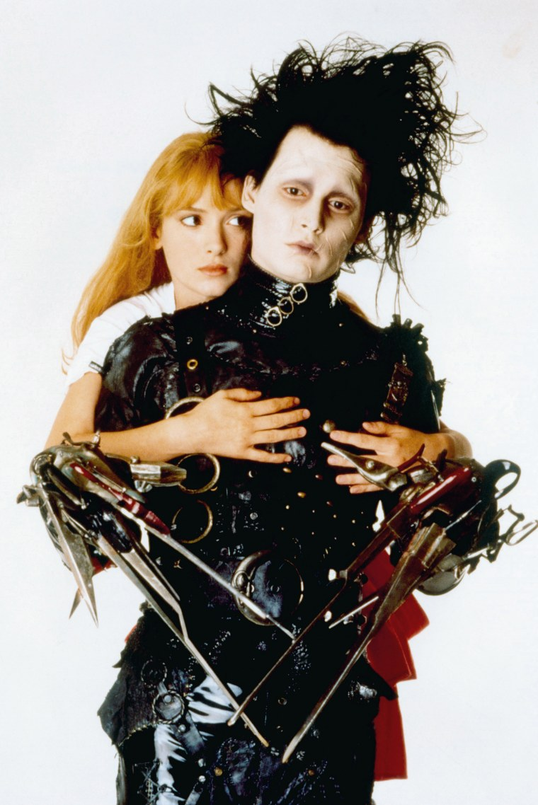 Winona Ryder and Johnny Depp in Edward Scissorhands photo