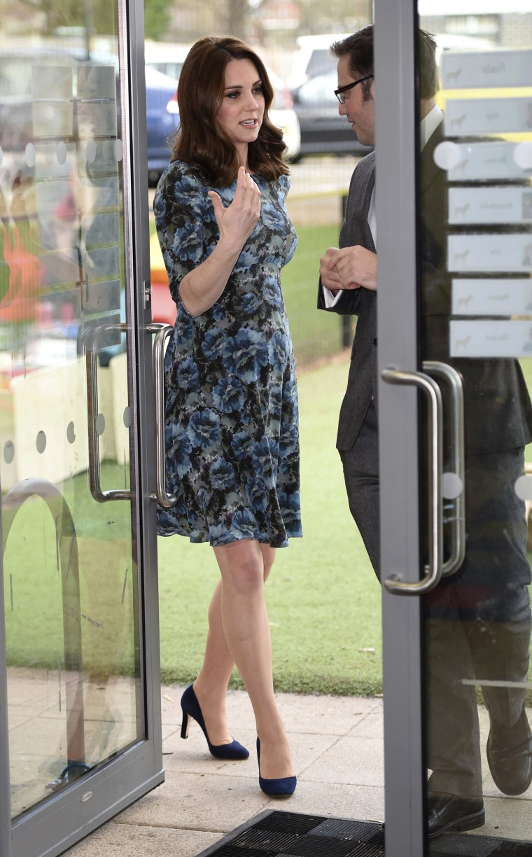 Duchess of Cambridge maternity dress photo