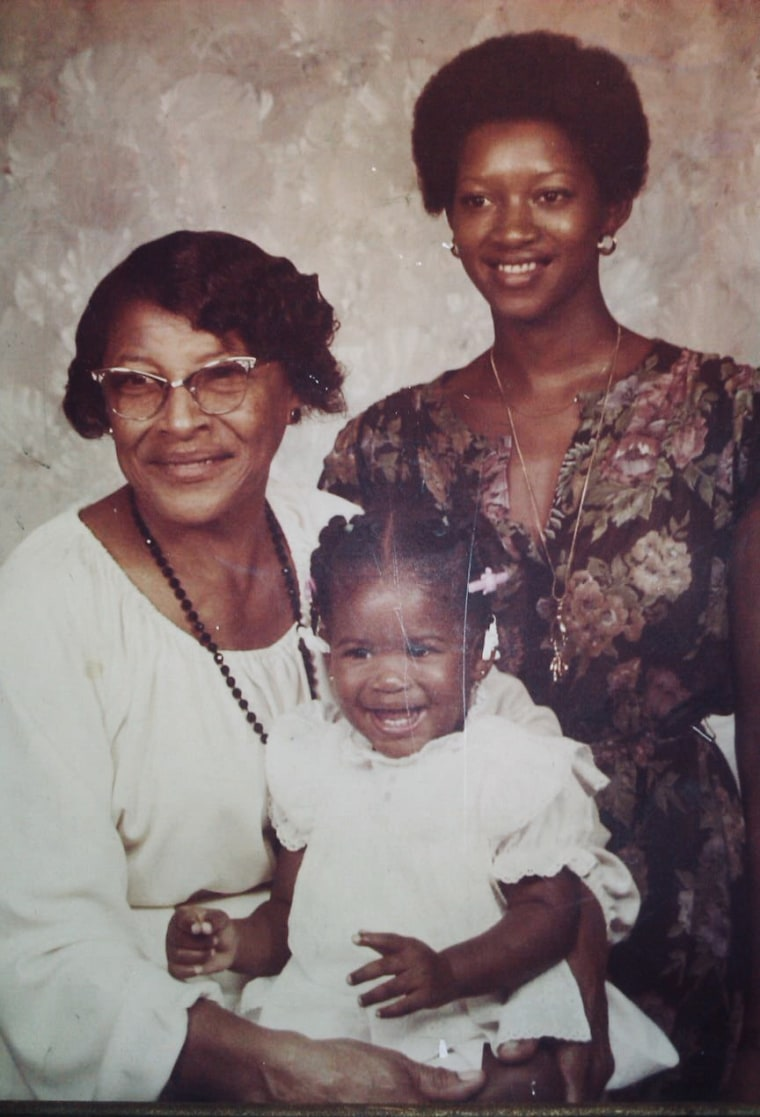Image: Recy Taylor poses with family
