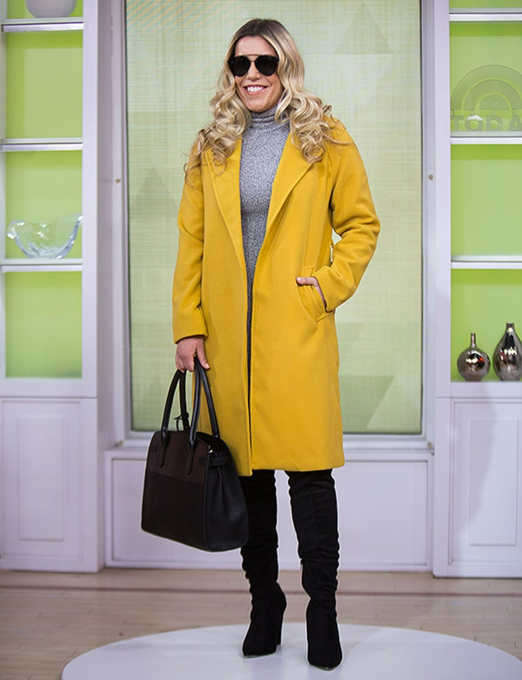 A little pop of yellow goes a long way!