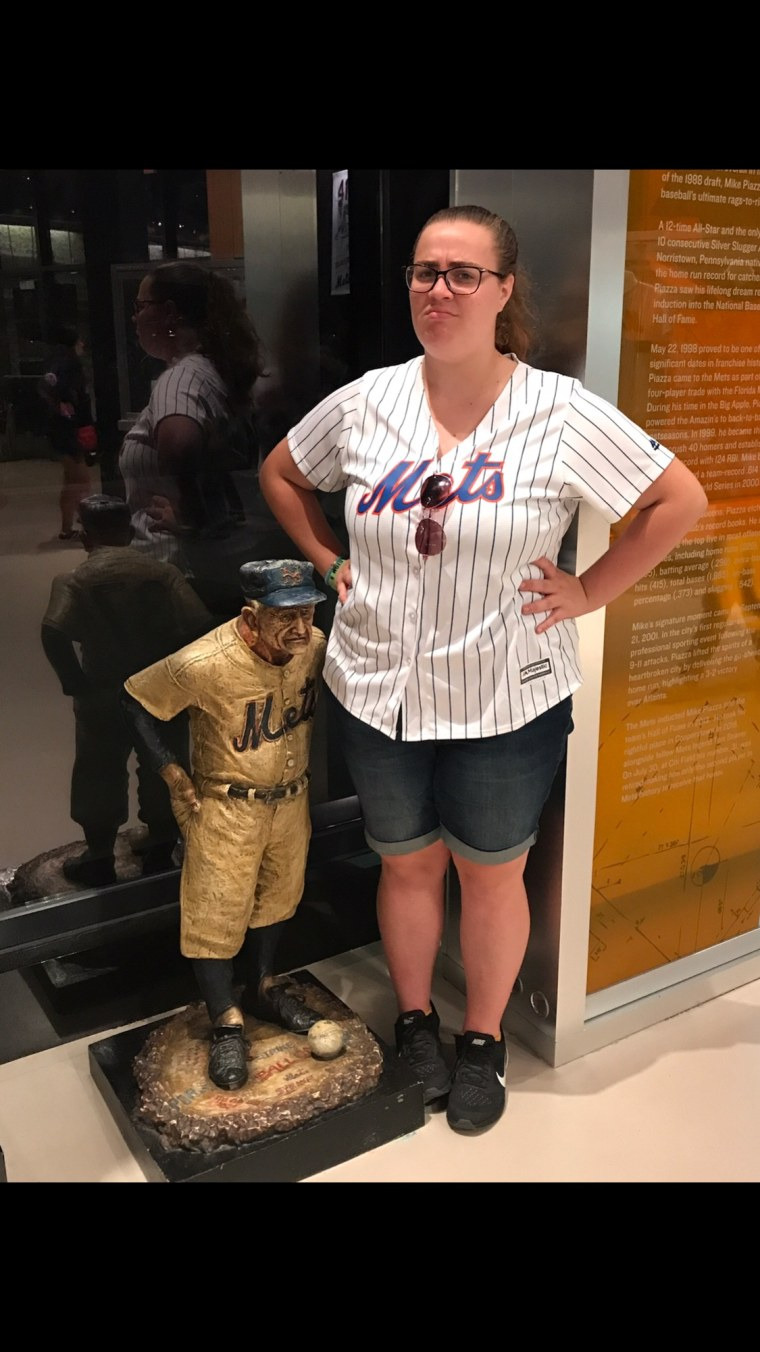 Baseball fan Callie Quinn is collecting Twitter retweets so she can take prom photos at Citi Field