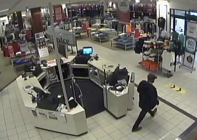 Image: One of two persons of interest at Eagle Ridge Mall in Lake Wales, Florida