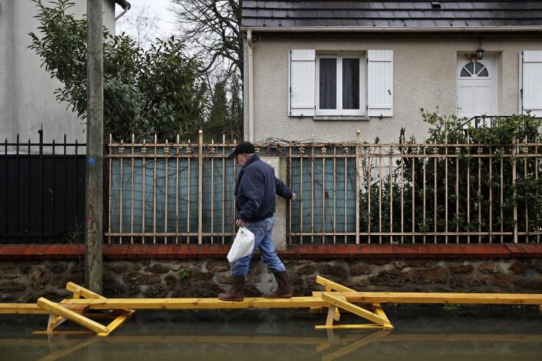 Image: Major flood in the Ile-de-France region