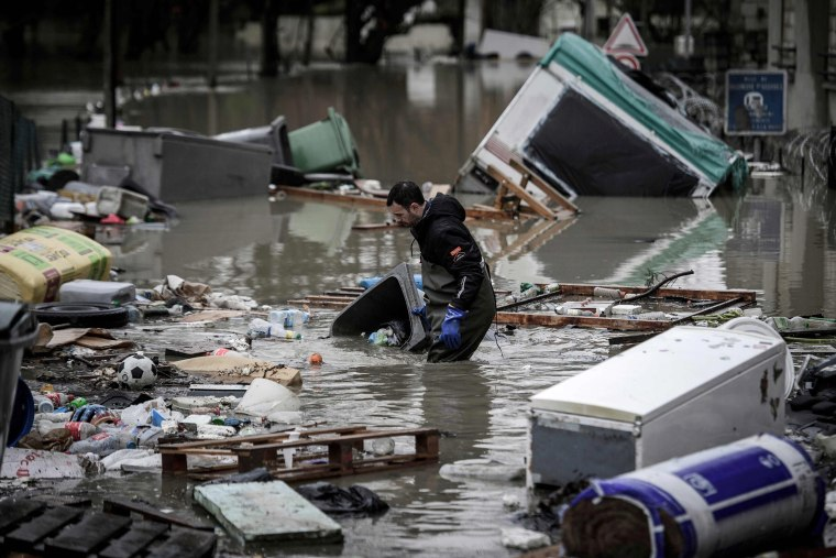 Image: TOPSHOT-FRANCE-WEATHER-FLOOD