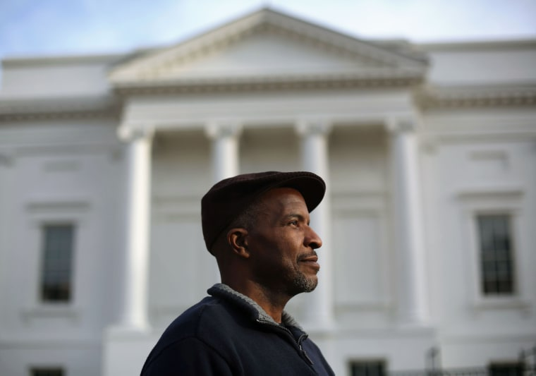 Image: Former felon speaks to Virginia legislators about expungement process