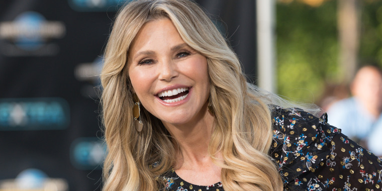 "Christie Brinkley Visits ""Extra"""