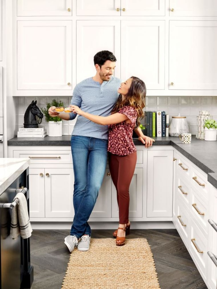 Property Brothers Show Off La Home In Hgtv Magazine March 2018