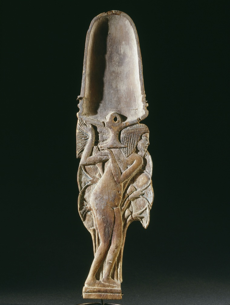 Cosmetic spoon in ancient Egypt