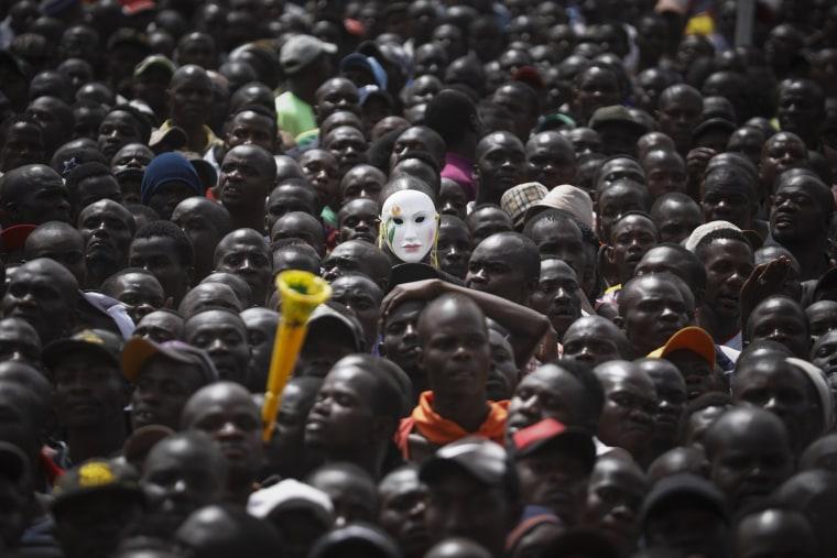Image: Kenyan opposition 'swears in' its leader Raila Odinga as an alternative President