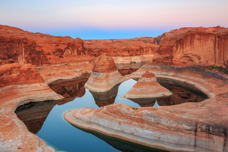 Reflection Canyon on Lake Powell, Utah, USA