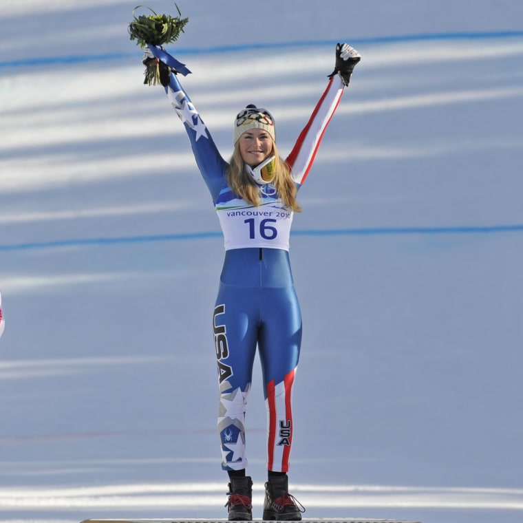 USA's silver medallist Julia Mancuso (L)