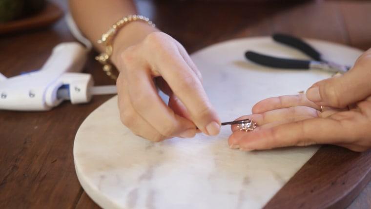 Single earrings DIY