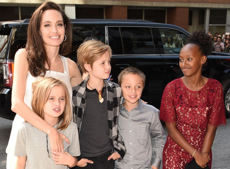 Angelina Jolie, Pax, Shiloh, Vivienne and Zahara