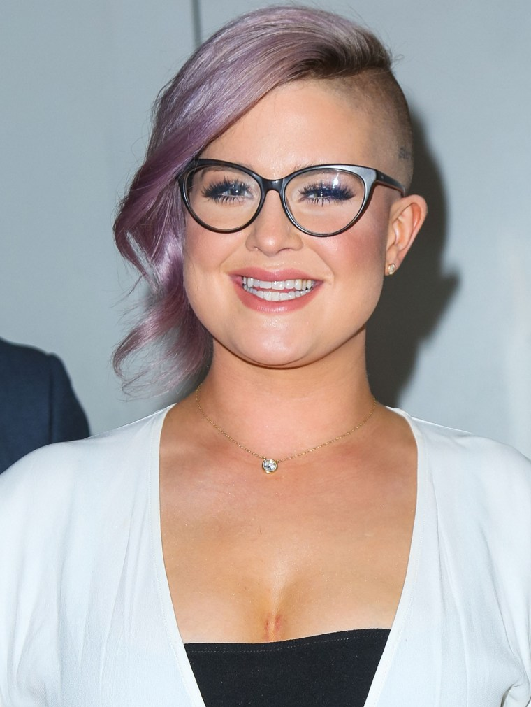 Kelly Osbourne purple hair 2016