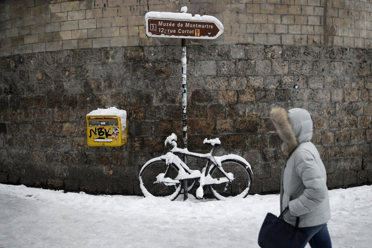 The snowy episode brought up to 6 inches in the Paris region.