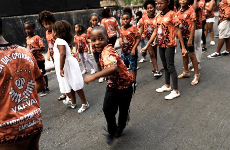 Children dance samba at a rehearsal of the Vai Vai samba school, during carnival festivities at Bixiga neighbourhood in Sao Paulo, Brazil on Feb. 8, 2018.