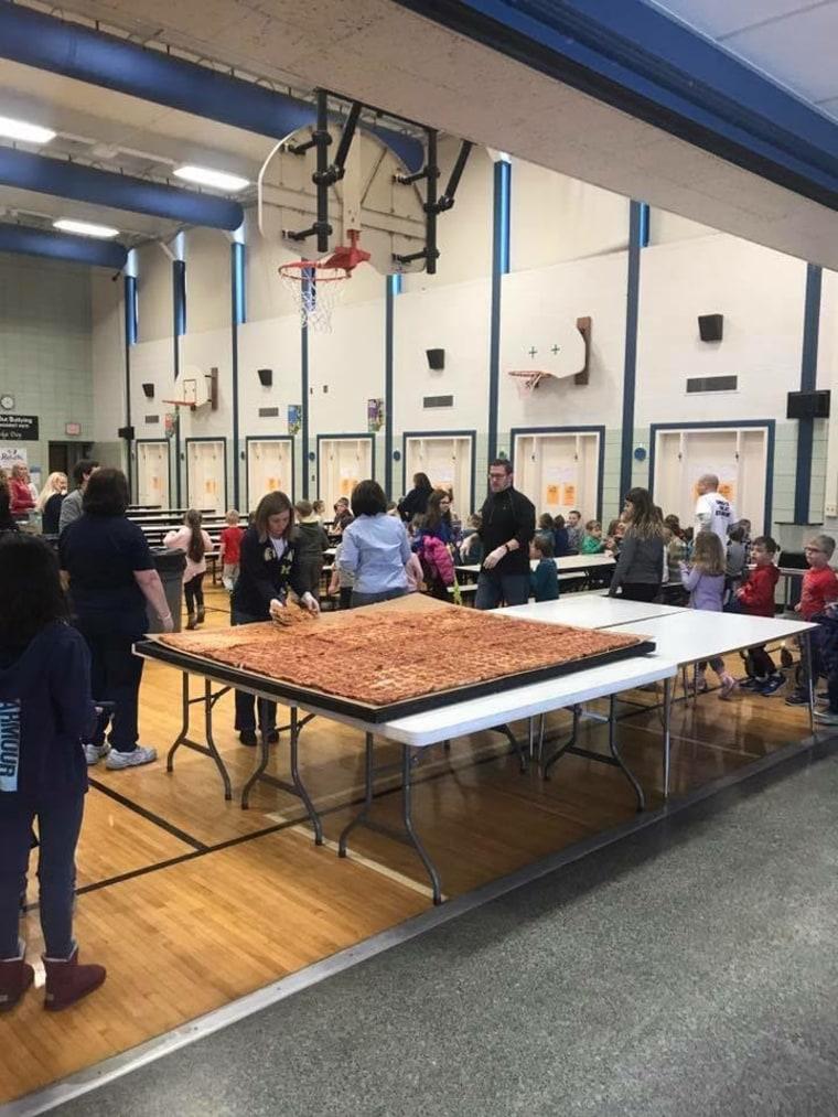 Giant pizza delivery to Trenton, MI elementary school