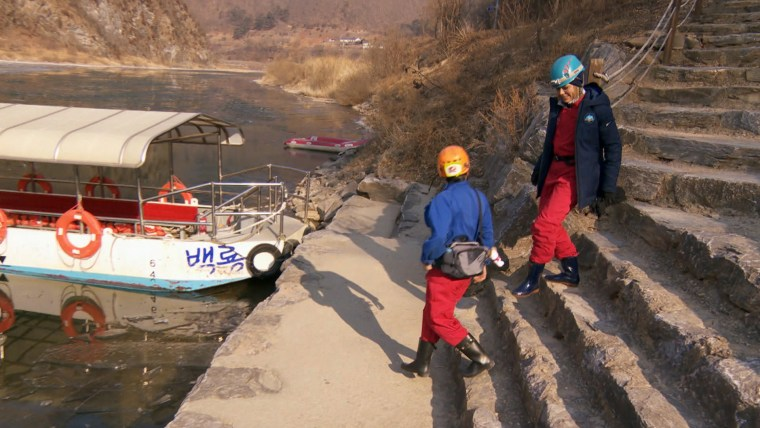 Dylan approaches boat in South Korea