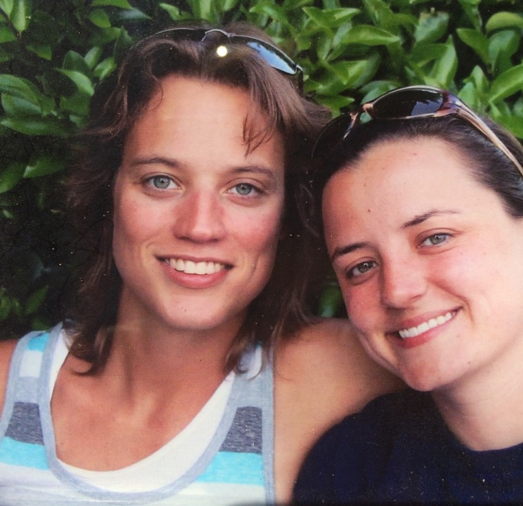 (L-R) Maggie and Amy Lewis