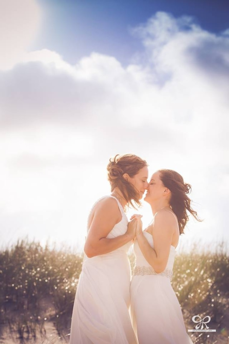 (L-R) Maggie and Amy Lewis on their wedding day.