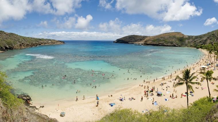 Best US beaches: Hanauma Bay, Hawaii, with beach goers