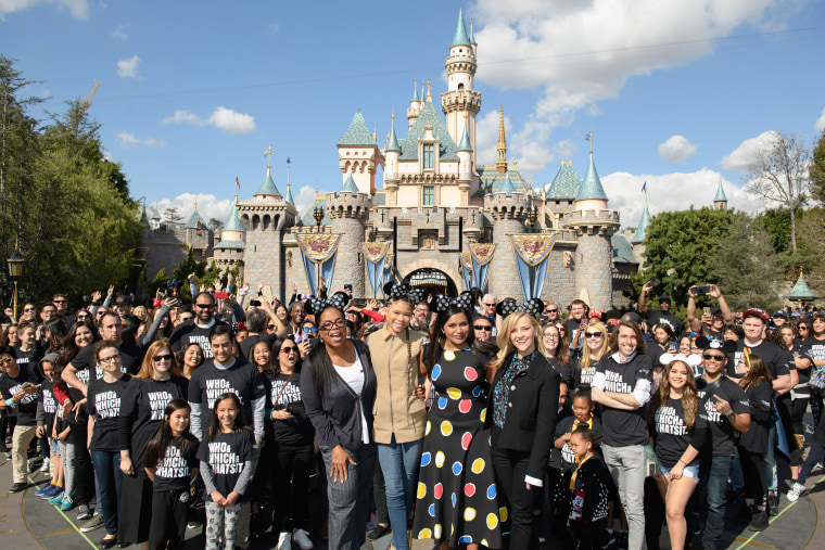 "The Stars of Disney's ""A Wrinkle in Time"" Surprise Fans at Disneyland"