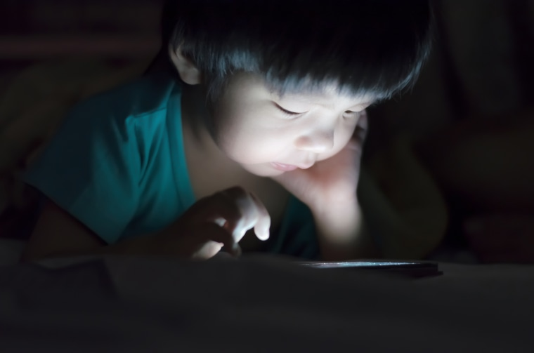 Why Is Screentime Bad For Young Children >> Realistic Screen Time Solutions For Kids And Their Parents