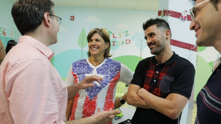 Image: Gigi Fernandez and David Villa visit the Children's Hospital in Puerto Rico