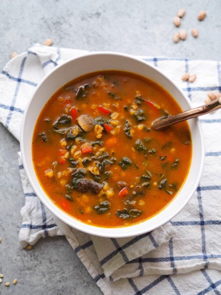 Instant Pot Vegan Mushroom Barley Soup