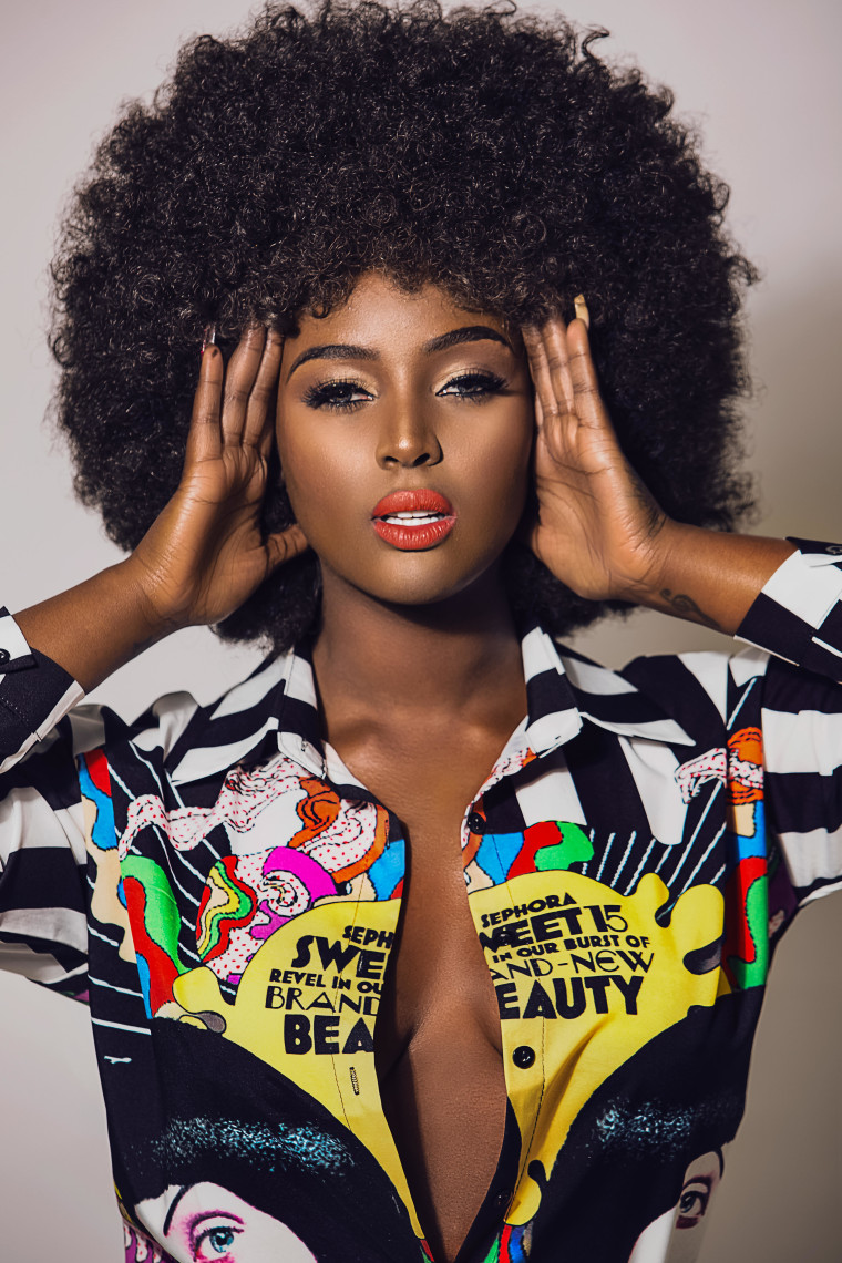 A photo of Amara La Negra.