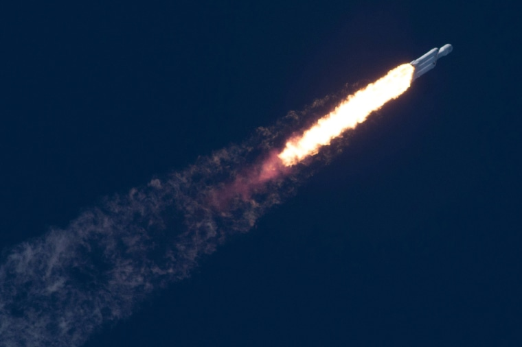 Image: A SpaceX Falcon Heavy rocket lifts off from the Kennedy Space Center in Cape Canaveral