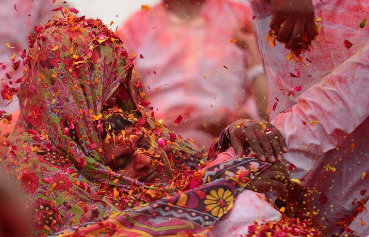 Image: INDIA-RELIGION-HINDUISM-HOLI-HEALTH-CHILDREN