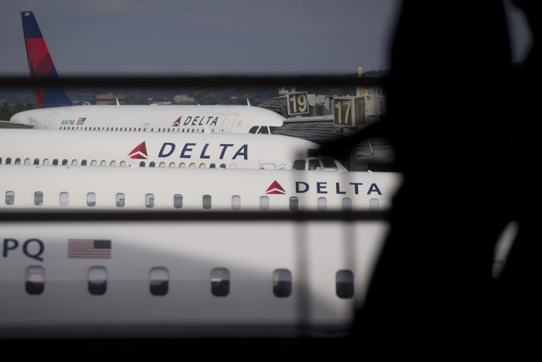 Image: Delta Airlines planes
