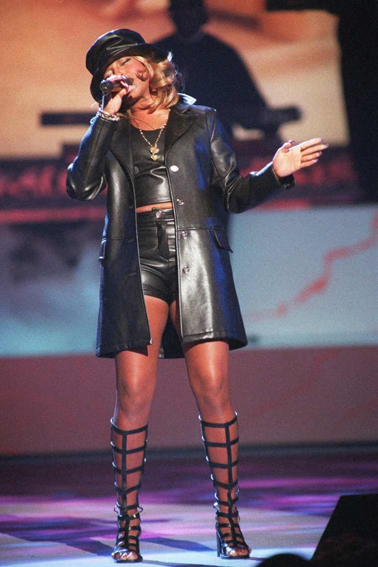 Image:Mary J. Blige performs