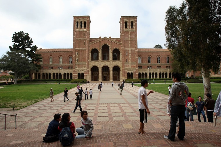 Report finds that as Californias university students diversify