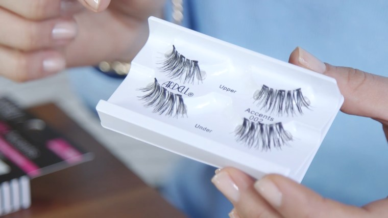 Good luck not confusing upper lashes from the lower!