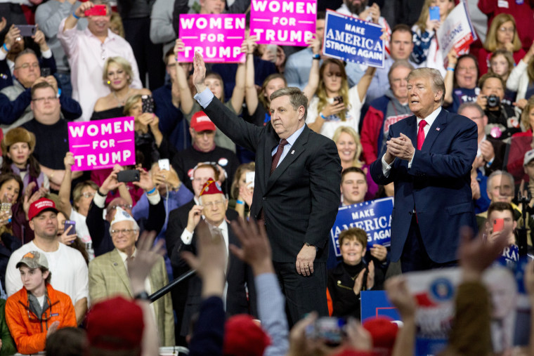 Image: Rick Saccone and President Trump wave to the crowd