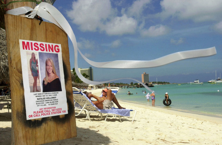 Image: A missing poster for Natalee Holloway