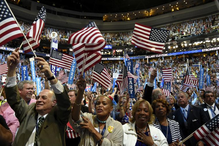 Image: Convention Democratic Crowds