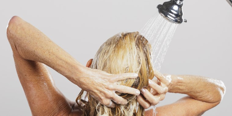 [act7] New Manhattan Psychicatric Hospital inmate  Washing-hair-today-180321-main_358f87a55f9d6cfe45253fc59a7fe9af.fit-760w