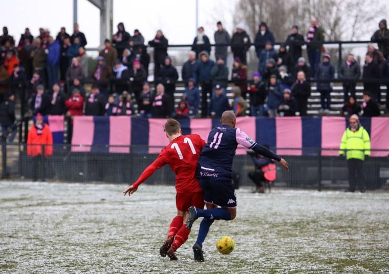 Image: Dulwich Hamlet plays against Worthing F.C.