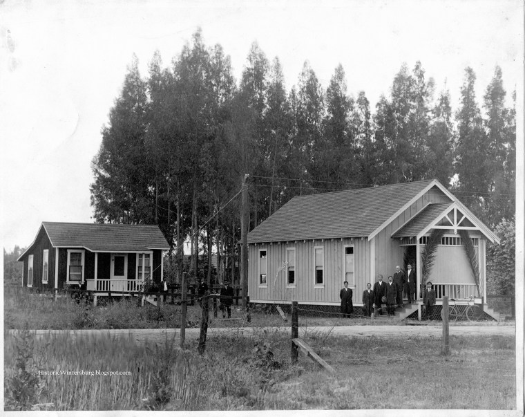 Image: Wintersburg Japanese Mission and Manse (parsonage), circa 1910.