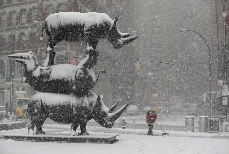 Image: Late season snowstorm hits US Northeast