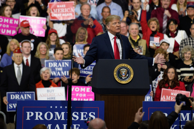 Image: President Trump holds rally in Pennsylvania