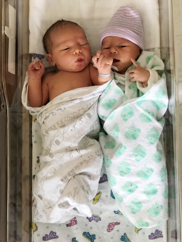 Twin brothers welcome babies on same day