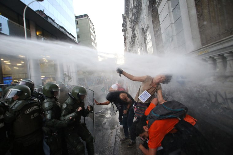 Image: TOPSHOT-CHILE-EDUCATION-PROTEST