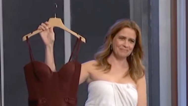 Jenna Fischer appears on Kimmel in a towel after wardrobe malfunction.