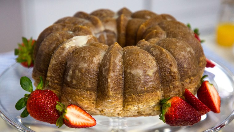 Elizabeth Heiskell's Wine-Glazed Cake